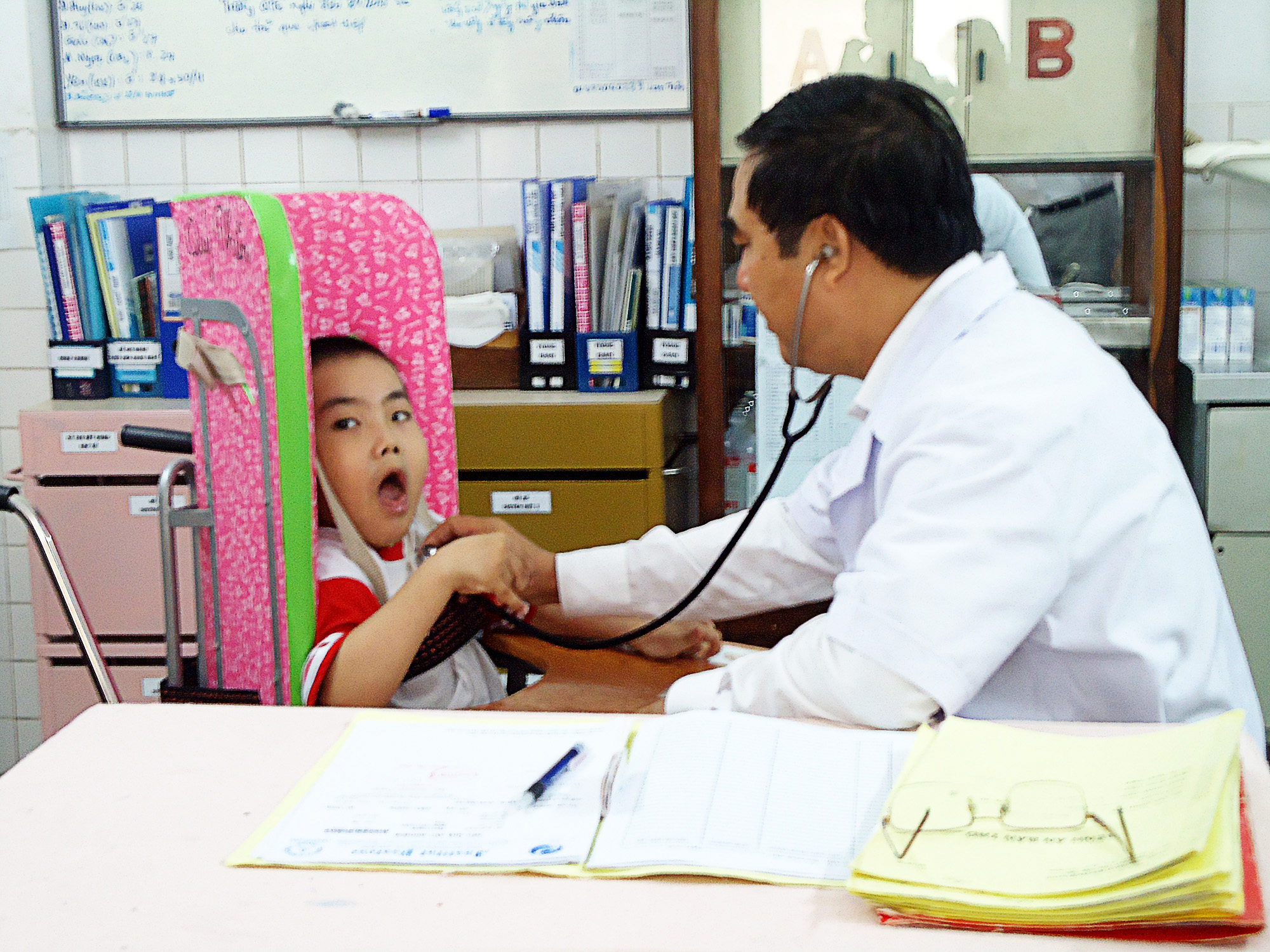Trung tâm phục hồi chức năng và trợ giúp trẻ tàn tật TPHCM