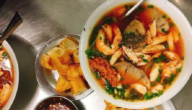 Bà Hạt - Quán bánh canh cua quận 10