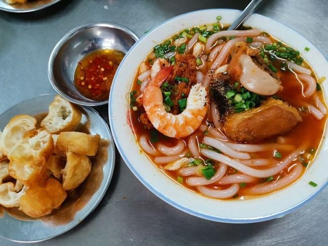 Hoàng Lan - Quán bánh canh cua quận 10
