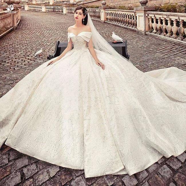 Địa chỉ cho thuê váy cưới tại TPHCM